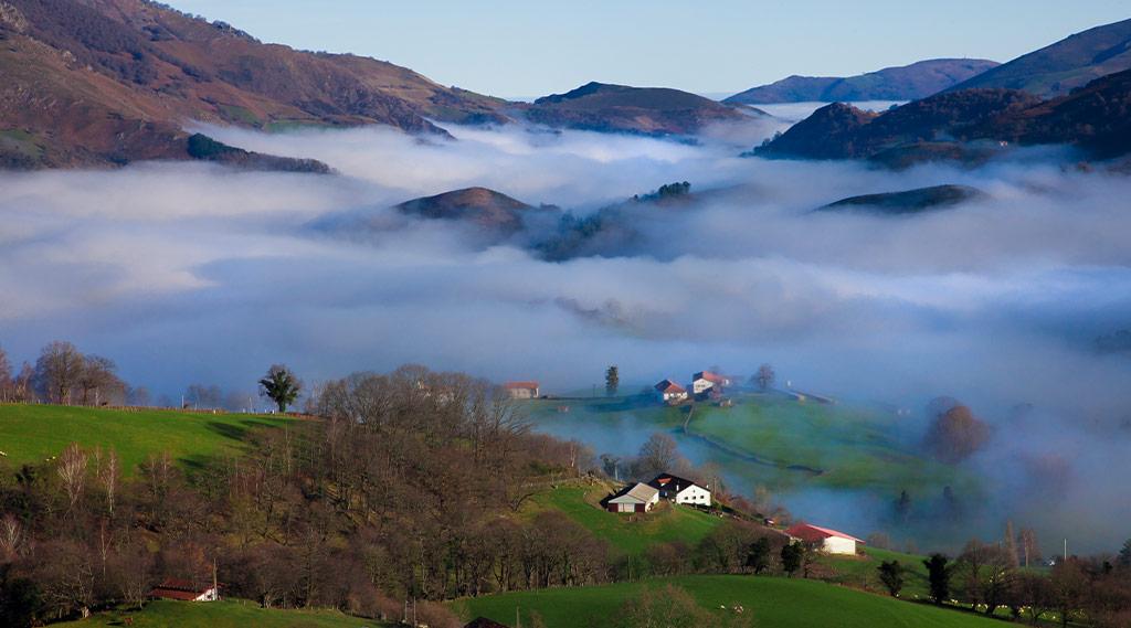la montagne des gourmets : que faire au pays basque Saint Jean Pied de Port Vallée des Aldudes